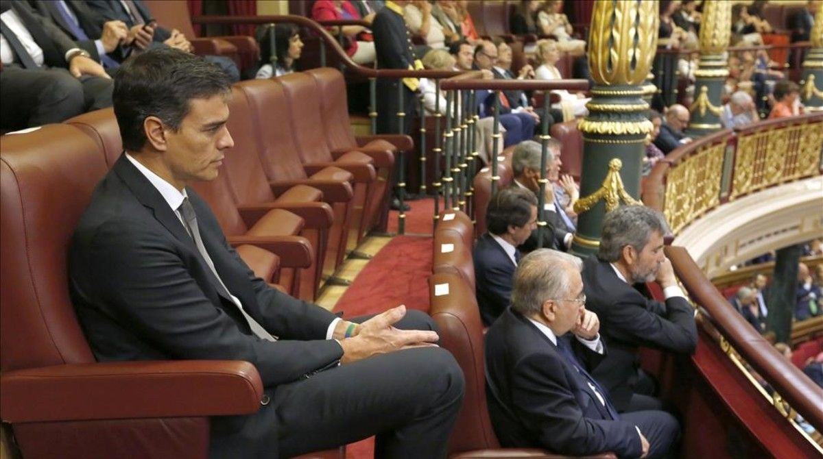 De Sánchez a Homs: éstos son los políticos sin escaño