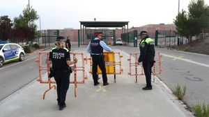 Policías, en la prisión de Lledoners.