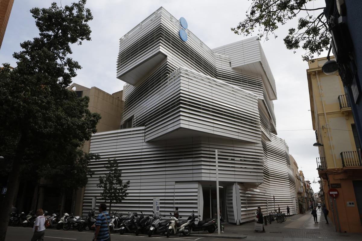 Centre Cultural El Carme, de Martínez Lapeña y Elías Torres.