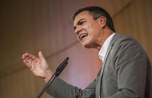 Pedro Sánchez se ha definido este domingo como un político limpio en la Conferencia Política que ha ofrecido la Universidad de Alicante.