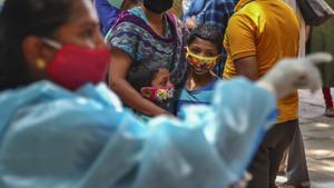 Emergencia en la India: millones de niños y niñas en riesgo de pobreza