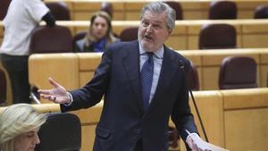 El ministro de Educación, Íñigo Méndez de Vigo, comparece este martes en el pleno del Senado.