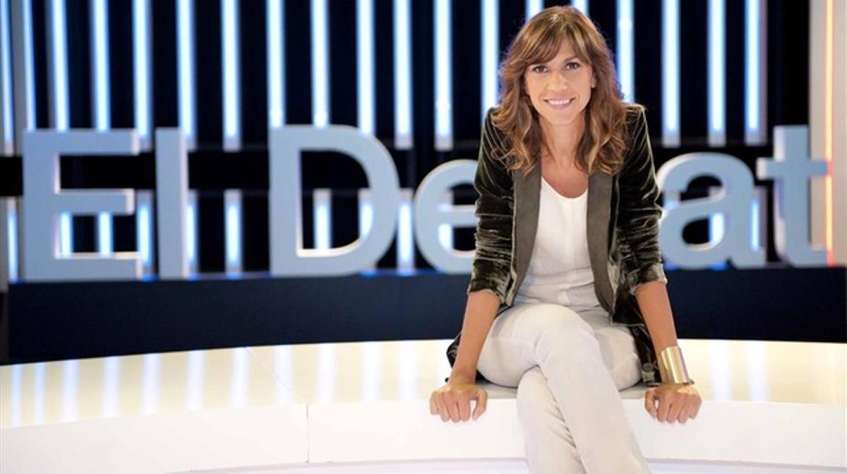 La periodista catalana Cristina Puig, en el plató del programa 'El debat de La 1'.