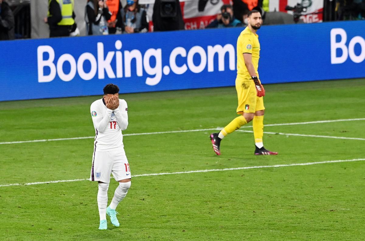 Insults racistes a jugadors d'Anglaterra que van fallar als penals