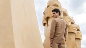 Conjunto de Eñaut en la azotea de La Pedrera con motivo del 080 Barcelona Fashion