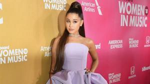 Ariana Grande posa en el photocall de los Billboard s 13th Annual Women In Music, el 6 dediciembre del 2018.