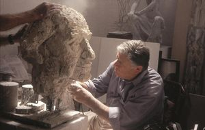 Manuel Cusachs, en su taller de Mataró.