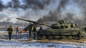 Tropas del Gobierno de Kieven unos ejercicios militares.