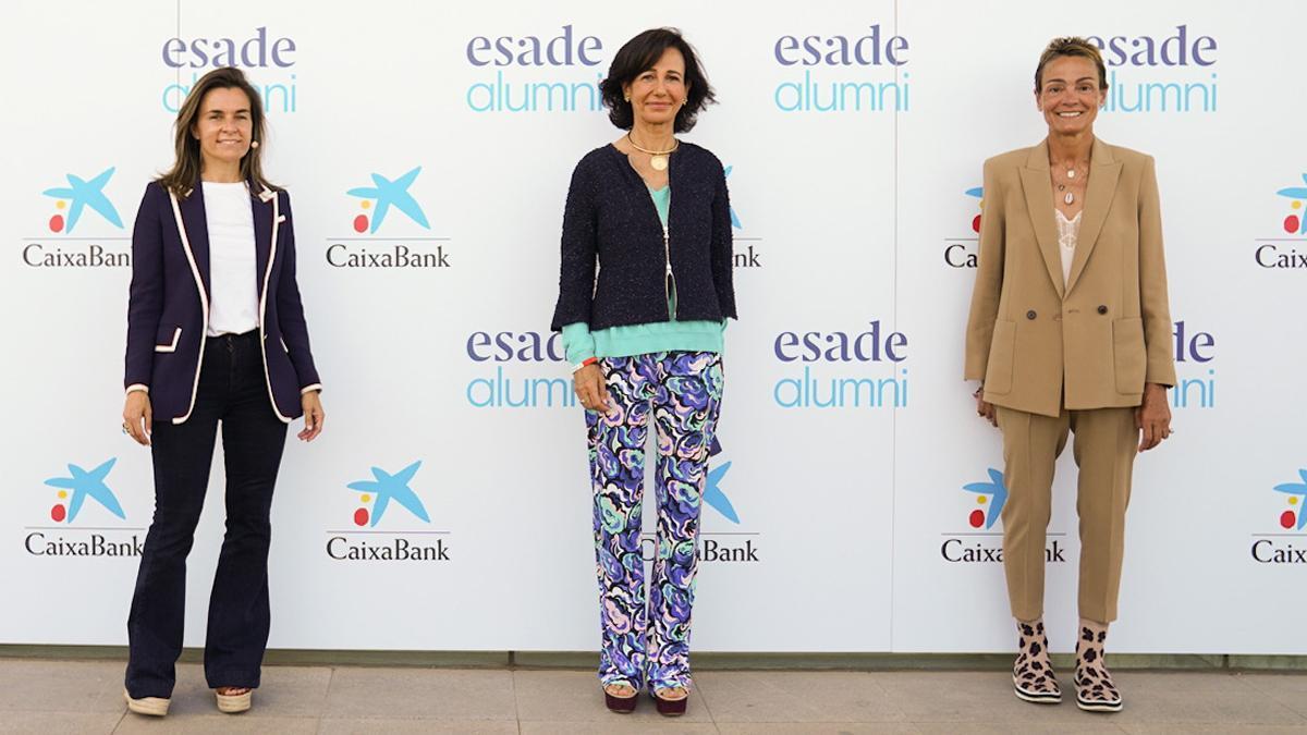 Ana Botín, centro, con Maite Barrera y Sol Daurella, derecha