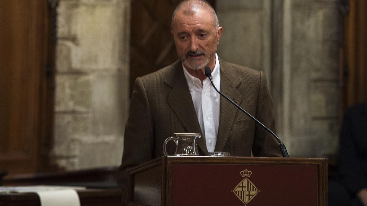 Arturo Pérez-Reverte, en el Saló de Cent.