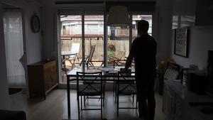 Raúl S., en un piso turístico durante 15 días con sus hijos para evitar el riesgo de contagios con los abuelos.