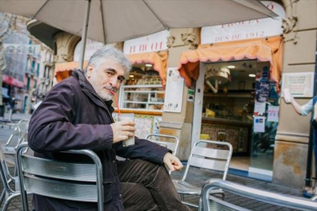 RICARD REGUANT Horchatería El Tio Che (rambla del Poblenou, 44).