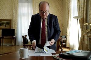 Miquel Iceta, ministro de Política Territorialy Función Pública, en su despacho, el pasado 27 de mayo.