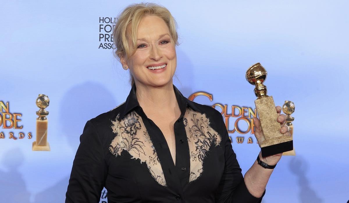 Meryl Streeo, en los Globos de Oro del 2012, cuando recibió el premio a mejor actriz por 'La dama de hierro', producida por Harvey Weinstein.