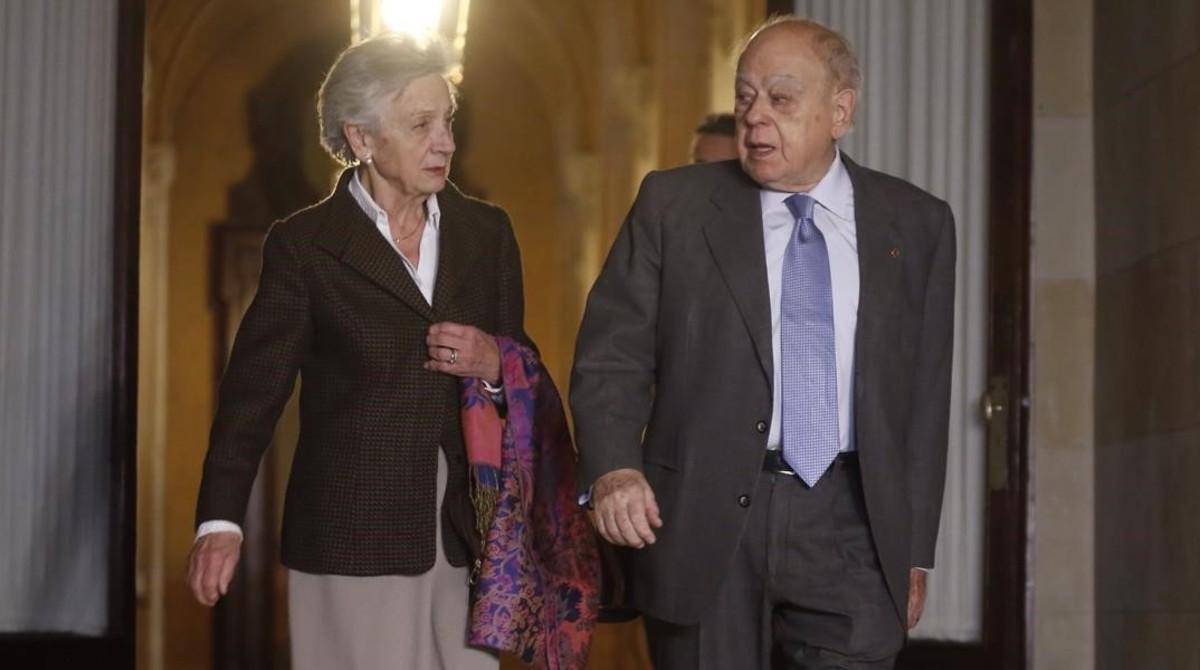 Marta Ferrusola junto a su esposo, Jordi Pujol.