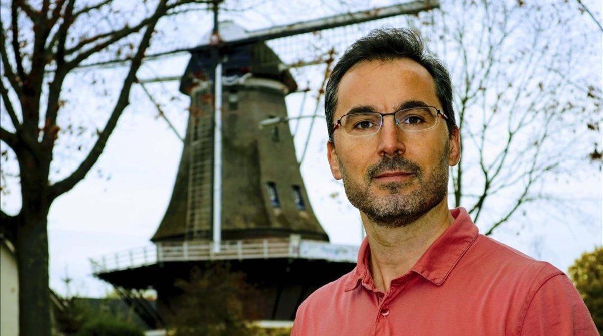 El químico, investigador y profesor universitario Daniel Blanco, que acaba de ser nombrado como el mejor docente de Química de Holanda.