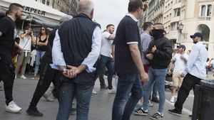 Al finalizar el acto hubo altercados en el bar Zurich.