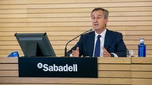 El consejero delegado del Sabadell, César González-Bueno, durante la presentación de los resultados del primer trimestre.