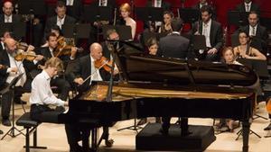 El pianista canadiense de origen polaco Jan Lisiecki, durante el concierto del martes en el festival de Torroella.