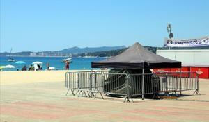 Zona de barracas de la playa de Palamós, donde suelen celebrarse fiestas y conciertos.
