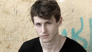 Nicolás Coronado prepara un documental sobre la fatiga social con el productor de 'Paquita Salas'
