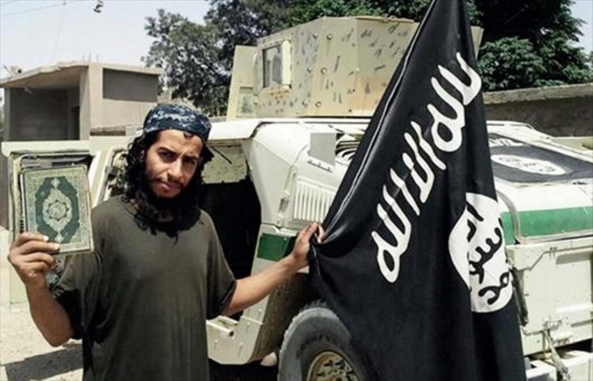 Abdelhamid Abaaoud, en una imagen sin fecha difundida por el EI.