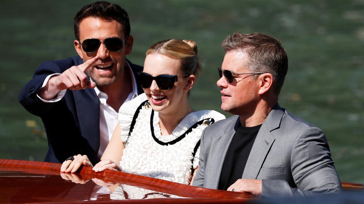 Ben Affleck, Jodie Comer y Matt Damon a su llegada al 78  Festival de Cine de Venecia