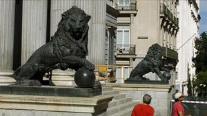 MADRID 15 06 2010 POLITICA  los leones del congreso de los diputados tras ser restaurados imagen Agustin Catalan