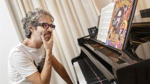James Rhodes, en una imagen promocional de su libro 'Playlist. Rebeldes y revolucionarios de la música'