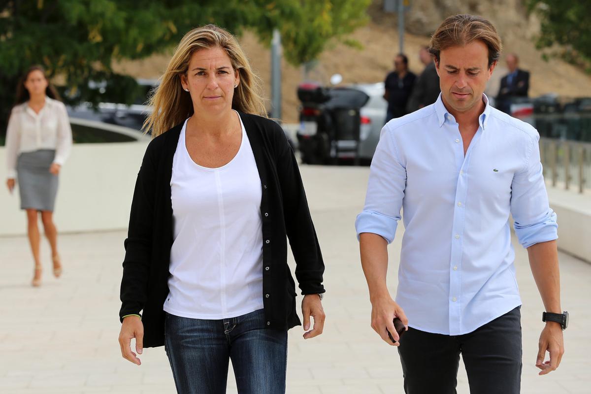 Arantxa Sánchez Vicario ysu marido Josep Santacana, en agosto del 2013.