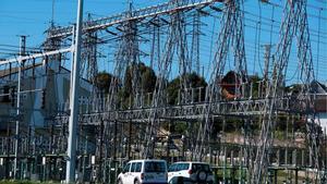 Torres de una central eléctrica, en Oviedo.