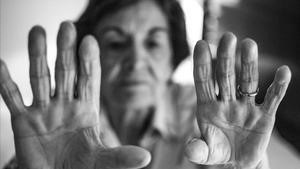 Una afectada de alzhéimer presente en el proyecto fotográfico El Marchitar de la Memoria.