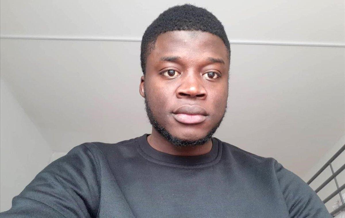 Alassa Mfouapon, refugiado camerunés, ha denunciado al diario alemán 'Bild'.
