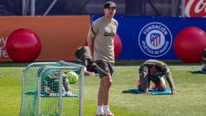 El entrenador argentino Diego Simeone durante el último entrenamiento del Atlético.