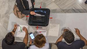 Votaciones en la Escola Industrial durante el referéndum del 1-O.