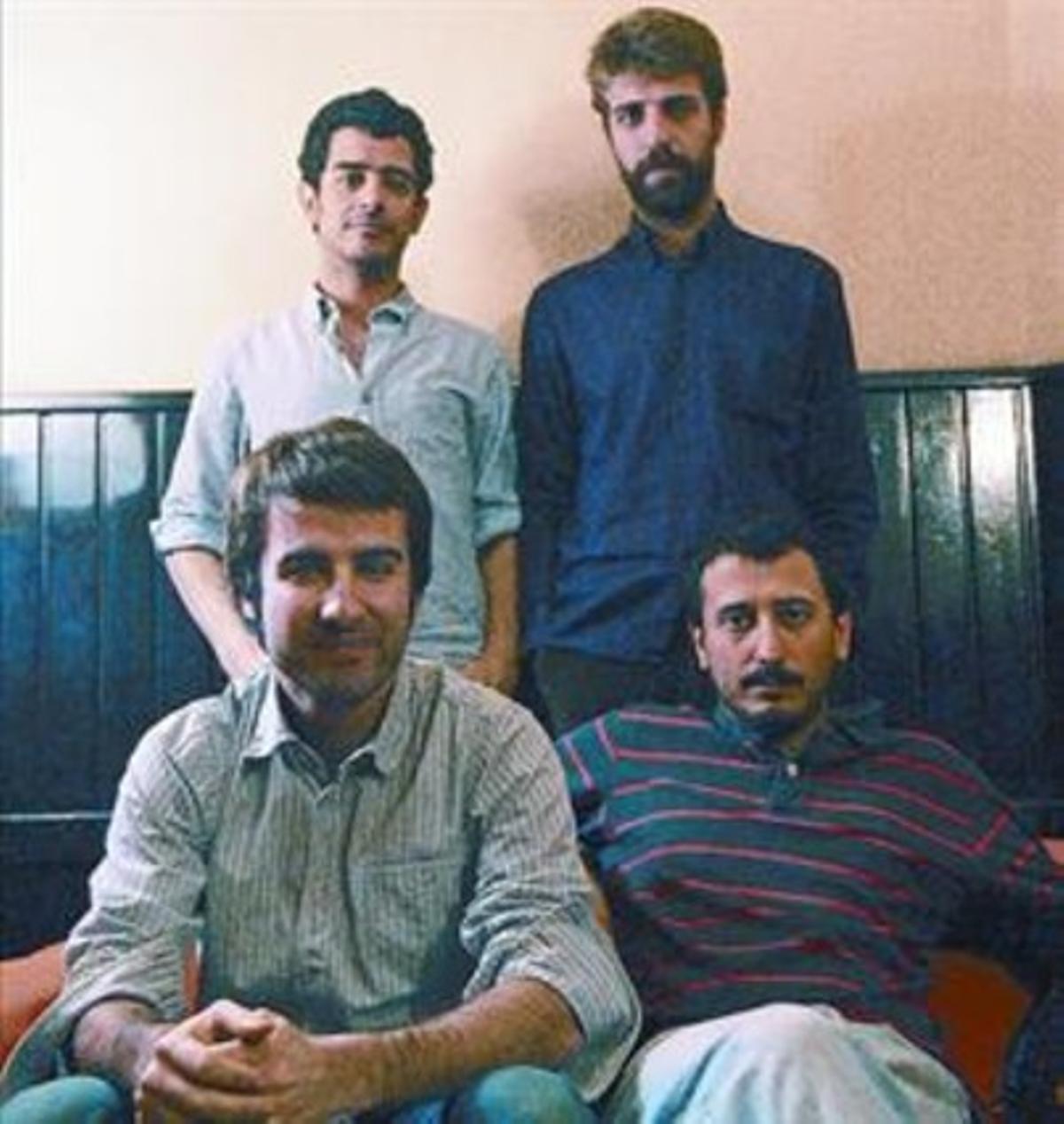El grupo Manel, con Guillem Gisbert en la esquina superior derecha.