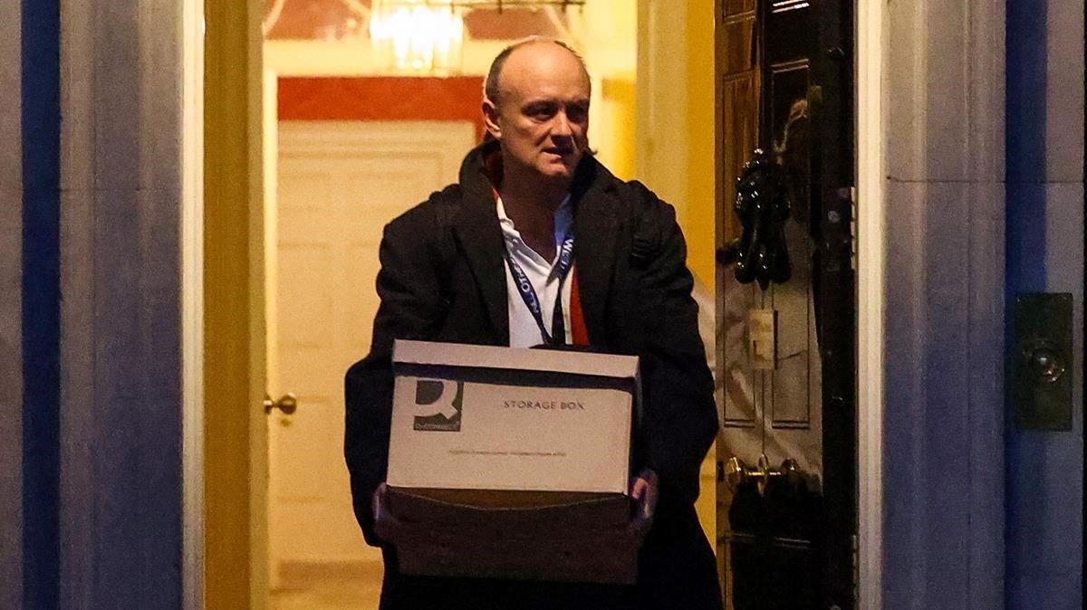 Dominic Cummings, saliendo de Downing Street.