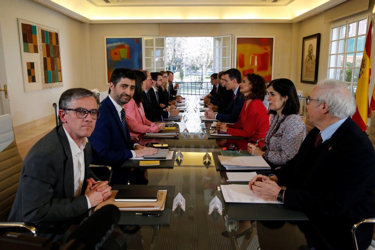 Primera reunión de la mesa de diálogo Gobierno-Generalitat, el 26 de febrero de 2020 en el palacio de la Moncloa.