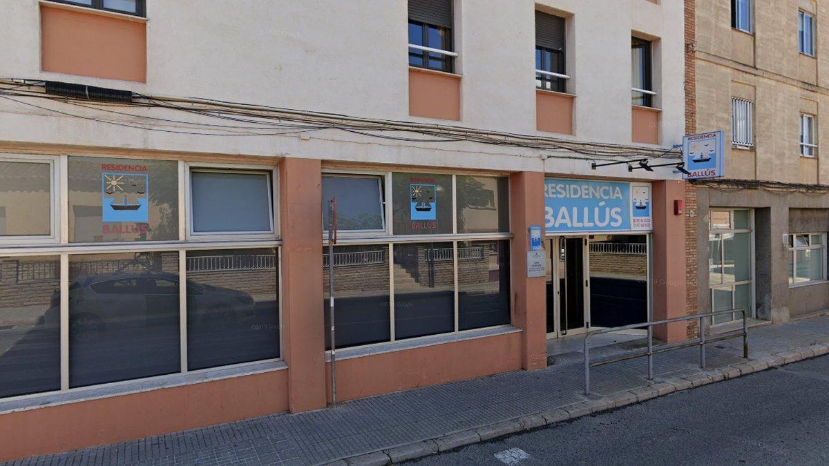 Fachada de la residencia Ballús, en Valls.