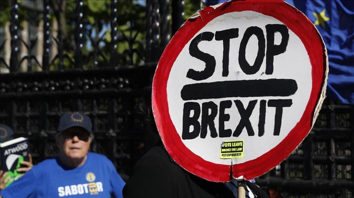 Protesta contra el 'brexit' ante Westminster, ayer.