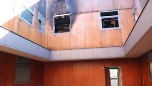 La casa de Terrassa en la que se produjo el incendio en el que ha muerto una niña de 4 años.