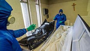 Moren 16 membres d'una mateixa família per Covid després d'assistir a un funeral a Mèxic