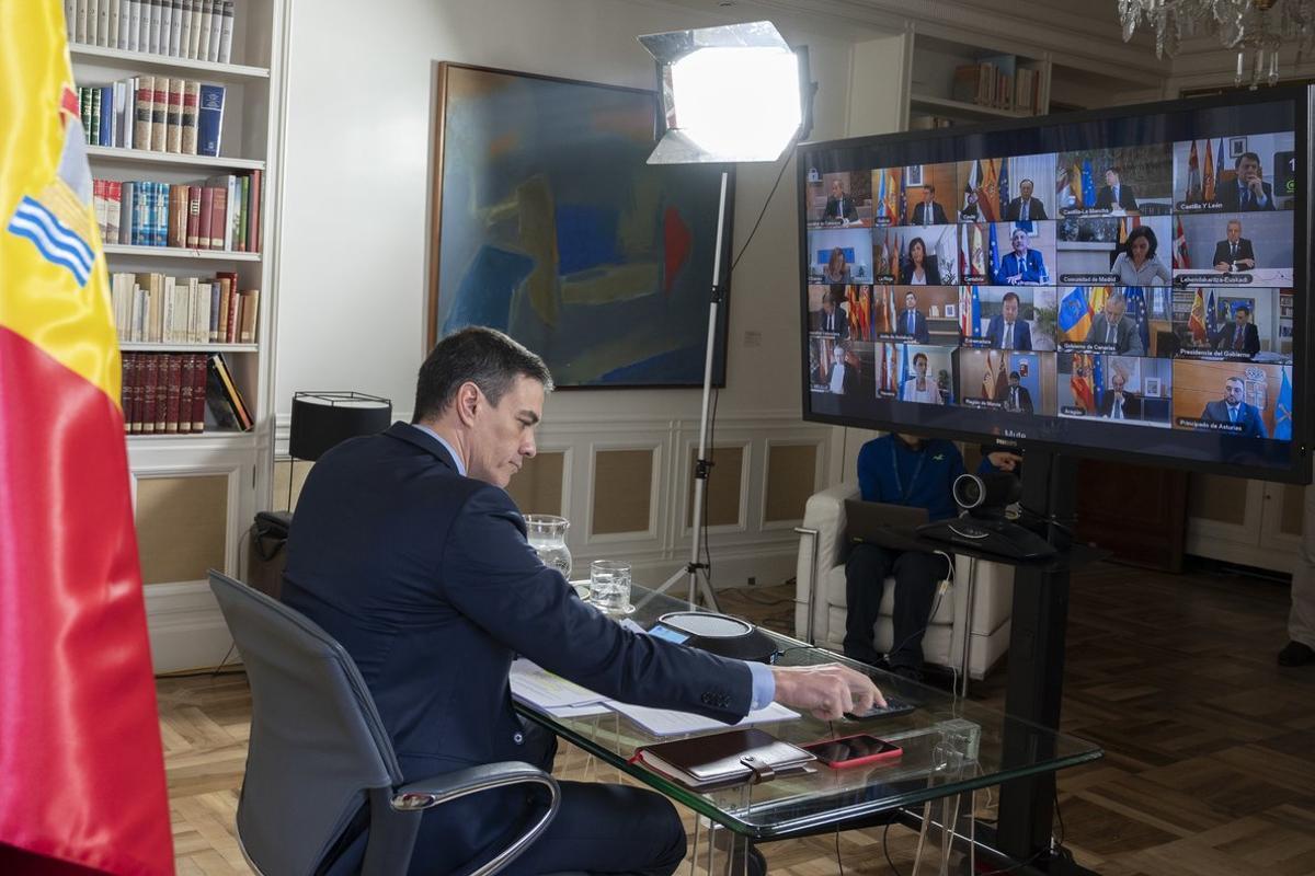 Pedro Sánchez, este domingo, durante la videoconferencia con todos los jefes de los Ejecutivos autonómicos, convocados a la Conferencia de Presidentes virtual.