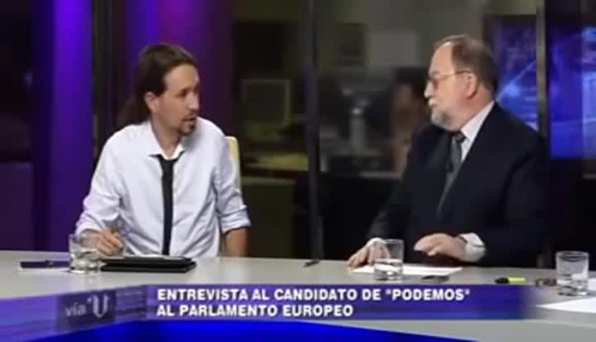 Pablo Iglesias discute con un político socialista durante un debate televisivo.