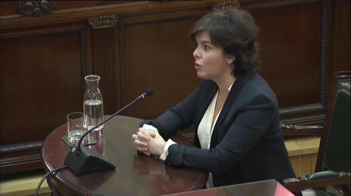 Sáenz de Santamaría sobre la actuación policial: Impidió circunstancias más graves como consecuencia de la irresponsabilidad de la Generalitat de seguir adelante con el referéndum.