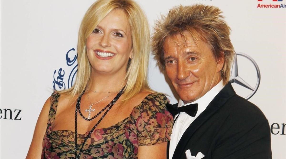 El cantante Rod Stewart y su mujer, la modelo Penny Lancaster.