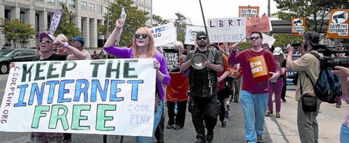 Protesta en Washington contra la vulneración de la neutralidad de la red.