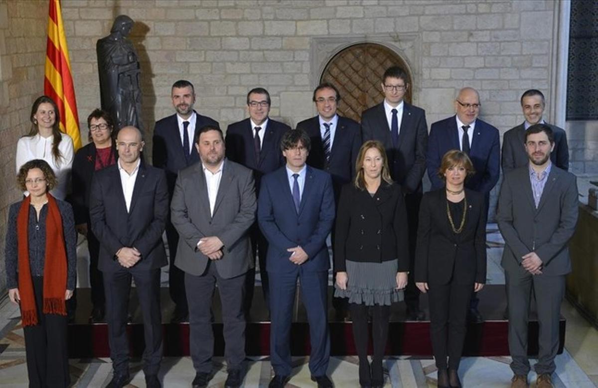 Foto de familia de los nuevos 'consellers' del Govern.