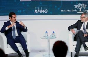 El presidente de la CEOE, Antonio Garamendi, y el presidente del Instituto de la Empresa Familiar, Marc Puig, durante el XXIII Congreso Nacional de la Empresa Familiar.