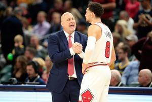 La mala racha de los Bulls pone en riesgo la estabilidad laboral de su entrenador.